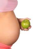 sund gravid kvinna för mat fotografering för bildbyråer
