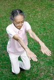 sund hög kvinna för övning Arkivbild