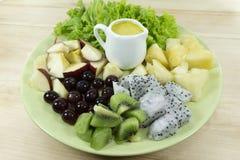sund hemlagad strikt vegetarianmat, vegetarian bantar, vitaminmellanmålet, mat och hälsobegreppet royaltyfri bild