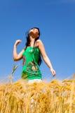 sund joyful livstid för kvinnlig royaltyfri foto