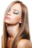 sund lång kvinna för härligt blont hår Arkivfoto