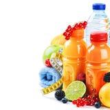 sund livsstil för begrepp Nya frukter och fruktsafter arkivfoto
