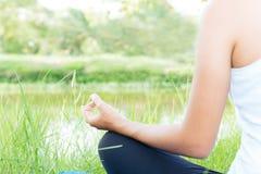 Sund livsstil för meditationyoga royaltyfri fotografi