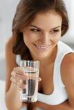 Sund livsstil som äter 04 som cirkulerar drinkar Hälsa, Royaltyfri Bild