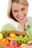 sund livsstilkvinna för gladlynt frukt Fotografering för Bildbyråer