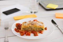 Sund lunch i regeringsställning, bantar matbegrepp Fotografering för Bildbyråer
