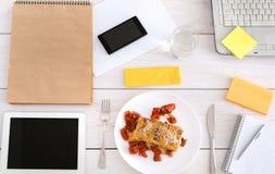 Sund lunch i regeringsställning, bantar matbegrepp Royaltyfri Foto
