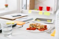 Sund lunch i regeringsställning, bantar matbegrepp Royaltyfria Bilder