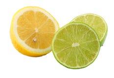sund mat Citron och limefrukt som isoleras på vitbakgrund royaltyfria bilder