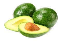 sund mat den nya avokadot med skivor isolerade på vit bakgrund arkivfoton