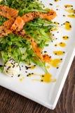 Sund mat för restaurang - fisksallad Fotografering för Bildbyråer