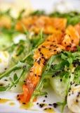 Sund mat för restaurang - fisksallad Royaltyfria Bilder