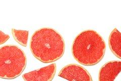 sund mat skivad grapefrukt som isoleras på bästa sikt för vit bakgrund Royaltyfri Fotografi