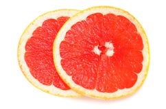 sund mat Skivad grapefrukt som isoleras på vit bakgrund Top beskådar royaltyfria bilder