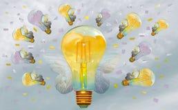Sund miljö på arbete och i liv Flyga lightbulbs på himlen royaltyfria foton