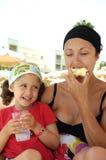 sund moder för barn Royaltyfri Bild