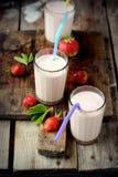 Sund näringsrik tropisk smoothie med Royaltyfri Foto