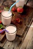 Sund näringsrik tropisk smoothie med Royaltyfri Fotografi