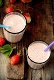 Sund näringsrik tropisk smoothie med Royaltyfri Bild