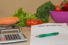 Sund naturlig organisk mat bantar, mogen skördLåg-kalorin frukt, och grönsaker bantar Royaltyfri Bild