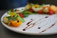 Sund platta av sallad för lunch Royaltyfria Bilder