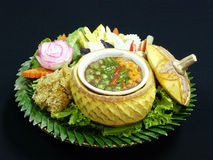 Sund thai mat, fu för duk för plommoner för namprikkapi Arkivfoton