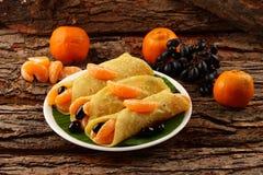 Sunda frukost-välfyllda pannkakor Royaltyfria Bilder