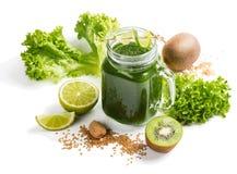 Sunda gröna smoothieintelligenser kärnar ur royaltyfri bild