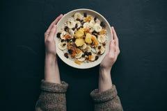 Sunda mål för frukosthavremjölhavregröt Arkivfoto