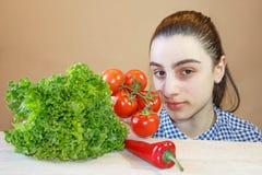 Sunda matartiklar Ny organisk grönsak sund valmat Arkivfoton