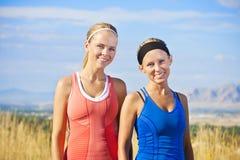 sunda ståendekvinnor för kondition Arkivbild