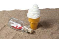 Sundae мороженого с сообщением Стоковое Фото