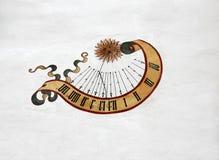 Sundial на стене замока Стоковые Изображения RF