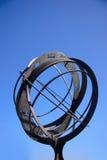 Sundial mit Tierkreiszeichen Lizenzfreie Stockfotos