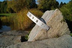 Sundial w jesień ogródzie Obraz Stock