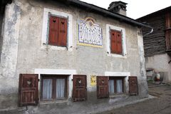Sundial w wioska świętym, Francja Obrazy Stock