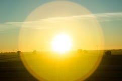 Sundog amarelo brilhante sobre o La Mancha, Espanha imagens de stock royalty free