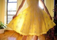 Sundress amarelo fotos de stock royalty free
