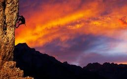 sunet的登山人 图库摄影