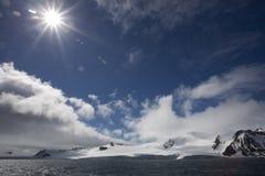 Sunflare in Antarktik. Lizenzfreie Stockbilder