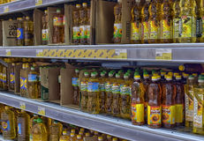 Sunflower and vegetable oil on supermarket shelves Royalty Free Stock Photos