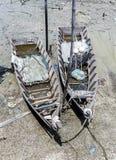Sungai Dorani, Mac 2016 de Selangor 02 : Jetée et bateaux de pêche concrets Photos stock