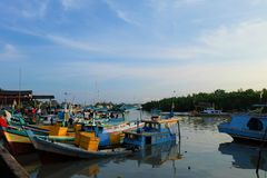 Sungailiat渔场口岸,邦加海峡勿里洞岛-印度尼西亚 库存照片