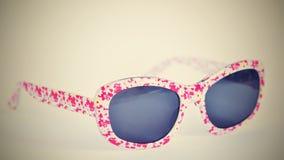 sunglasses Dziecko, biali kolorowi szkła odizolowywający na czystym białym tle Obrazy Royalty Free