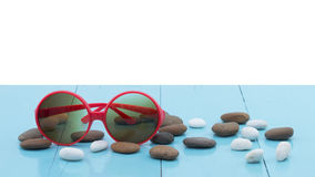 Sunglasses on wood table - clipping path Royalty Free Stock Images