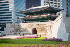 Sungnyemun port i Seoul, Sydkorea Arkivbild