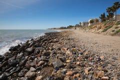 Sunie widok Roquetas Del Mącący Costa de almerÃa i wyrzucać na brzeg, andalucÃa Hiszpania obraz stock