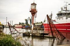 Sunken лихтер корабля в порте ремонта Гданьска Ремонт Гданьск верфи, sunken корабль Стоковое Изображение RF