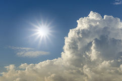Sunlight. And cloudy blue sky Royalty Free Stock Photos