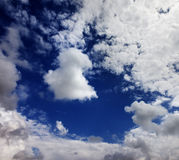 Sunlight sky with clouds at wind day Stock Images